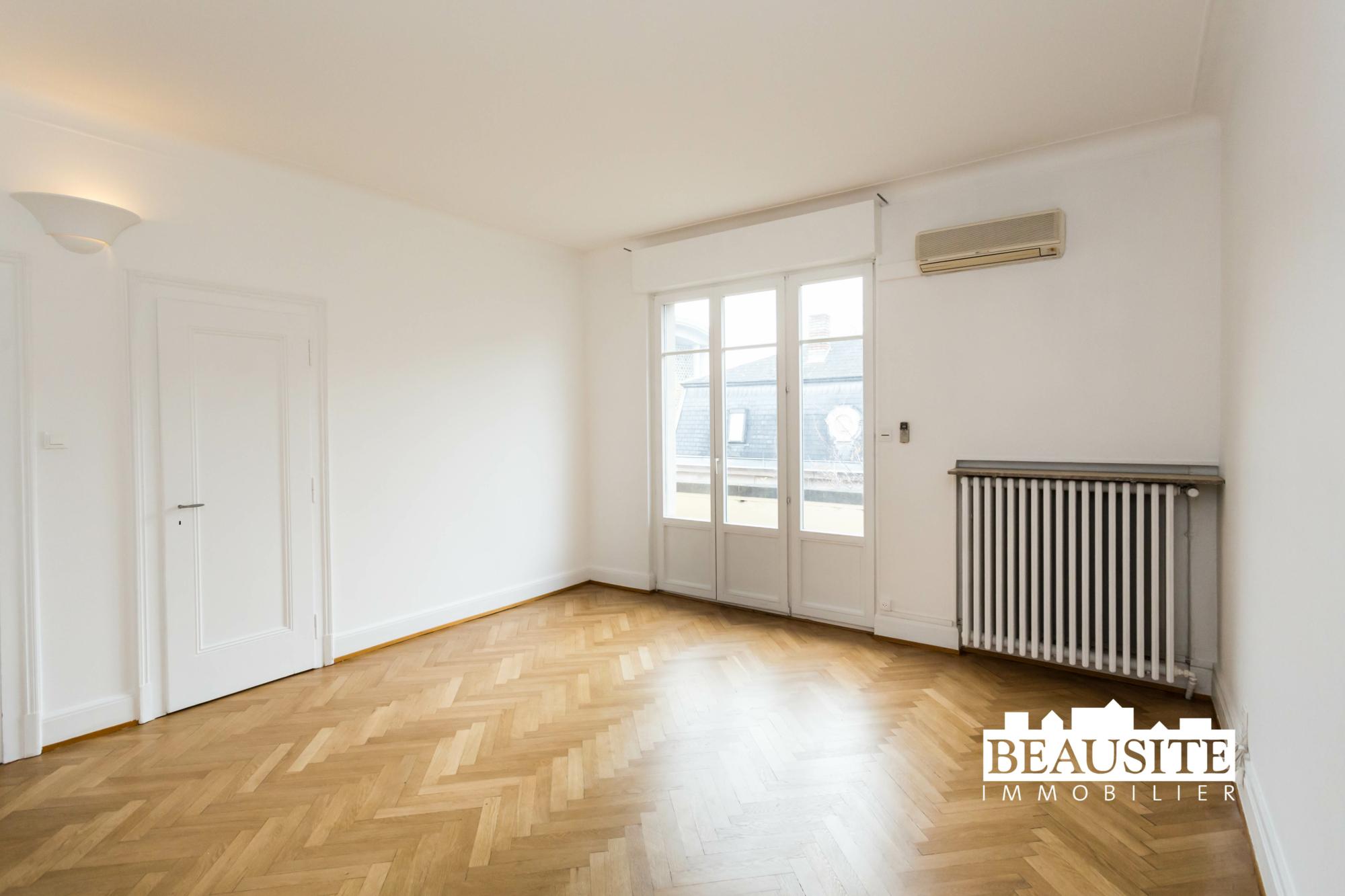 [Gloria] Un magnifique appartement bourgeois avec garage - Contades / Avenue de la Paix - nos ventes - Beausite Immobilier 11