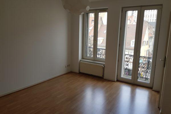 Lumineux 2P en parfait état avec balcon - Halles/rue du Faubourg de Saverne