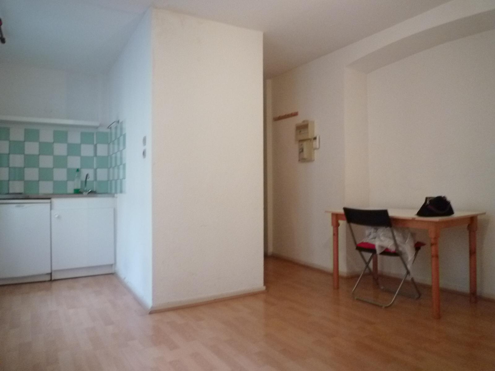 Très beau studio - Bourse / Rue de la Première Armée - nos locations - Beausite Immobilier 1