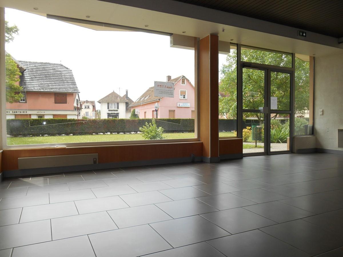 [Business] Un local commercial avec vitrines – Illkirch / route de Lyon - nos locations - Beausite Immobilier 3