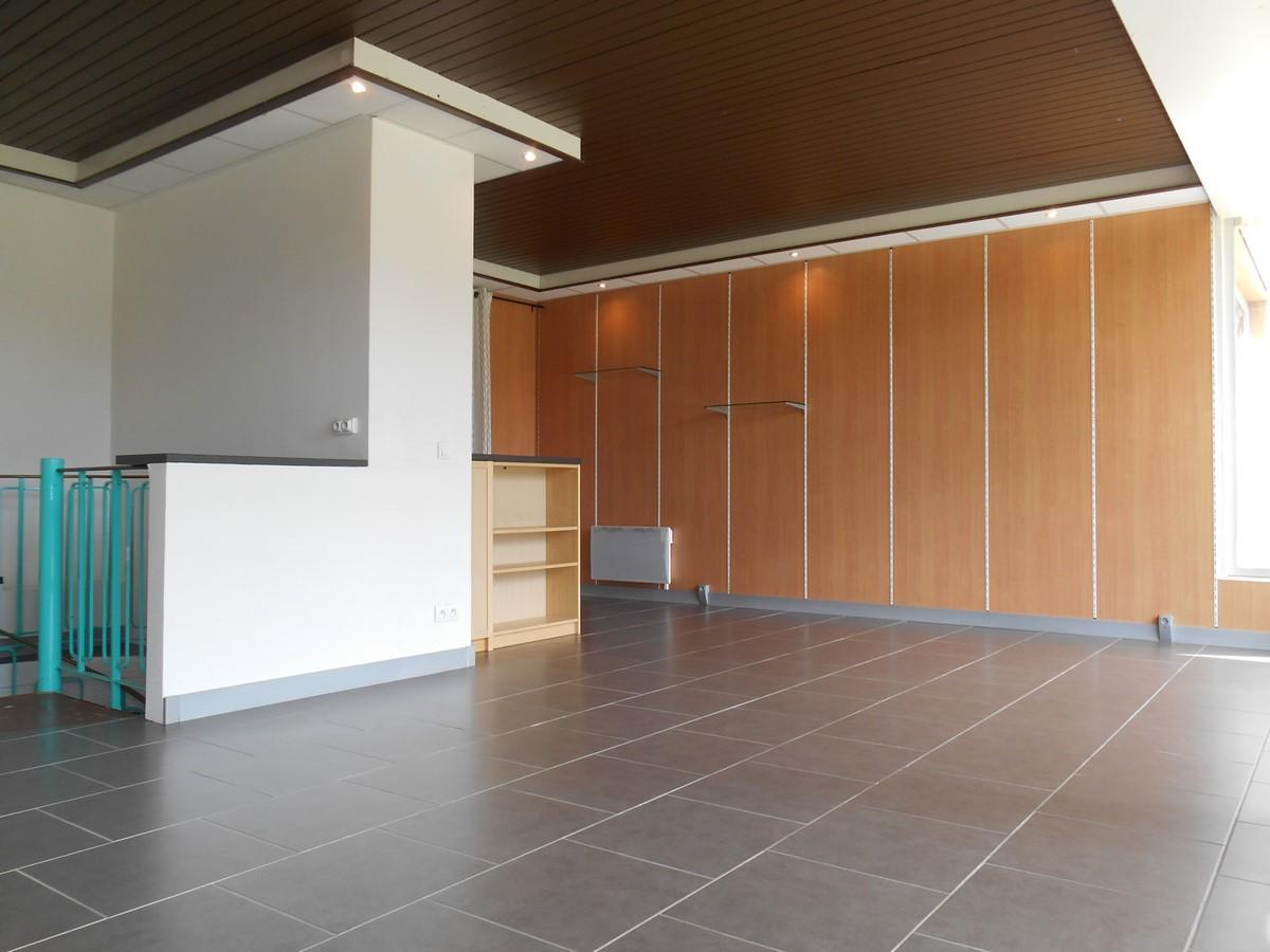 [Business] Un local commercial avec vitrines – Illkirch / route de Lyon - nos locations - Beausite Immobilier 5