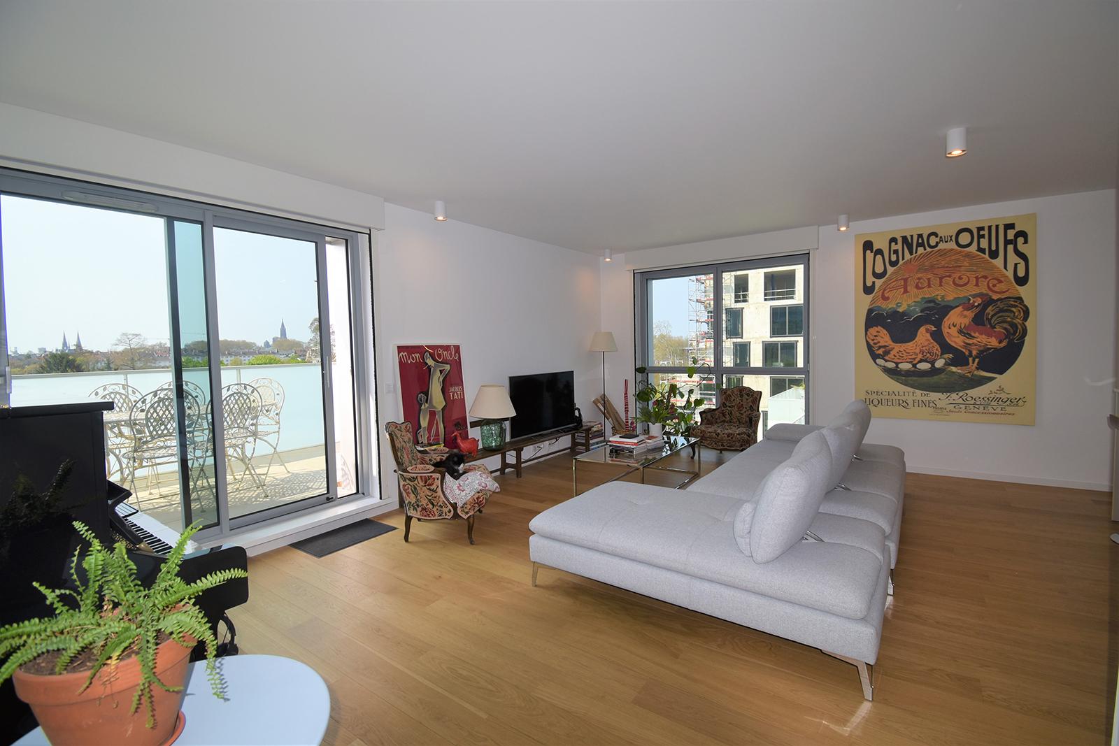 [Le Parlement] Superbe appartement de standing - Wacken / Allée des Marquises - nos ventes - Beausite Immobilier 3