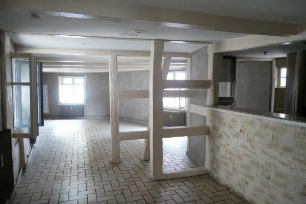 [Math] Très beaux appartements à rénover - Brumath / place de la Liberté