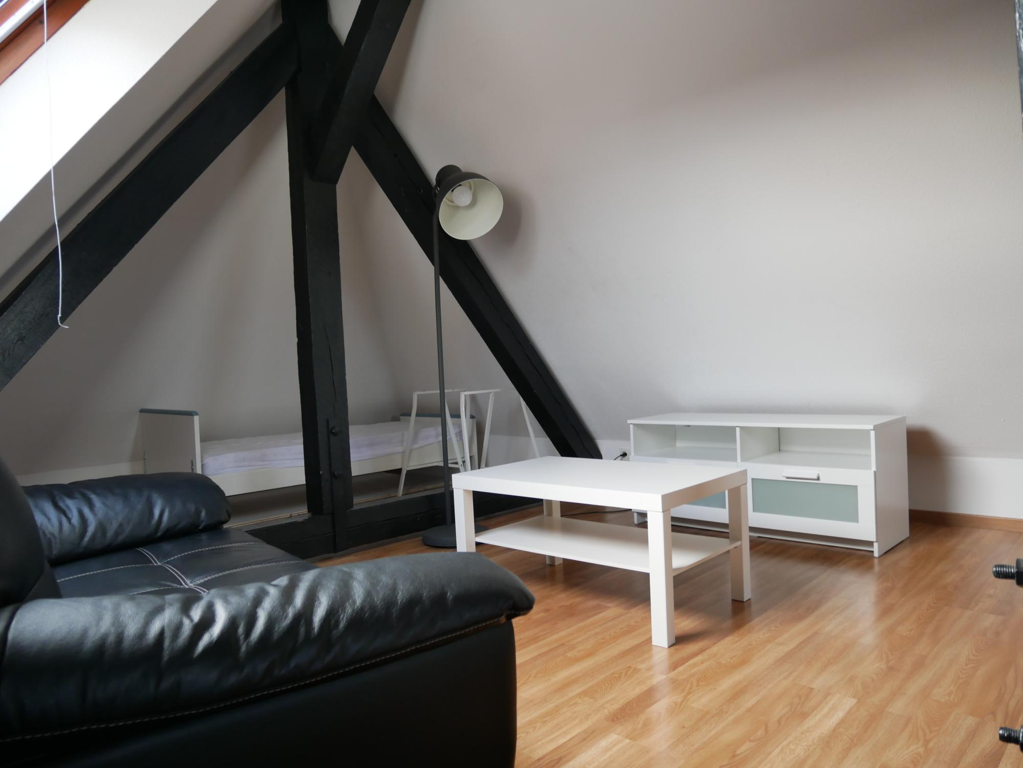 Superbe 2P meublé en duplex - Centre / Rue du 22 Novembre - nos locations - Beausite Immobilier 4