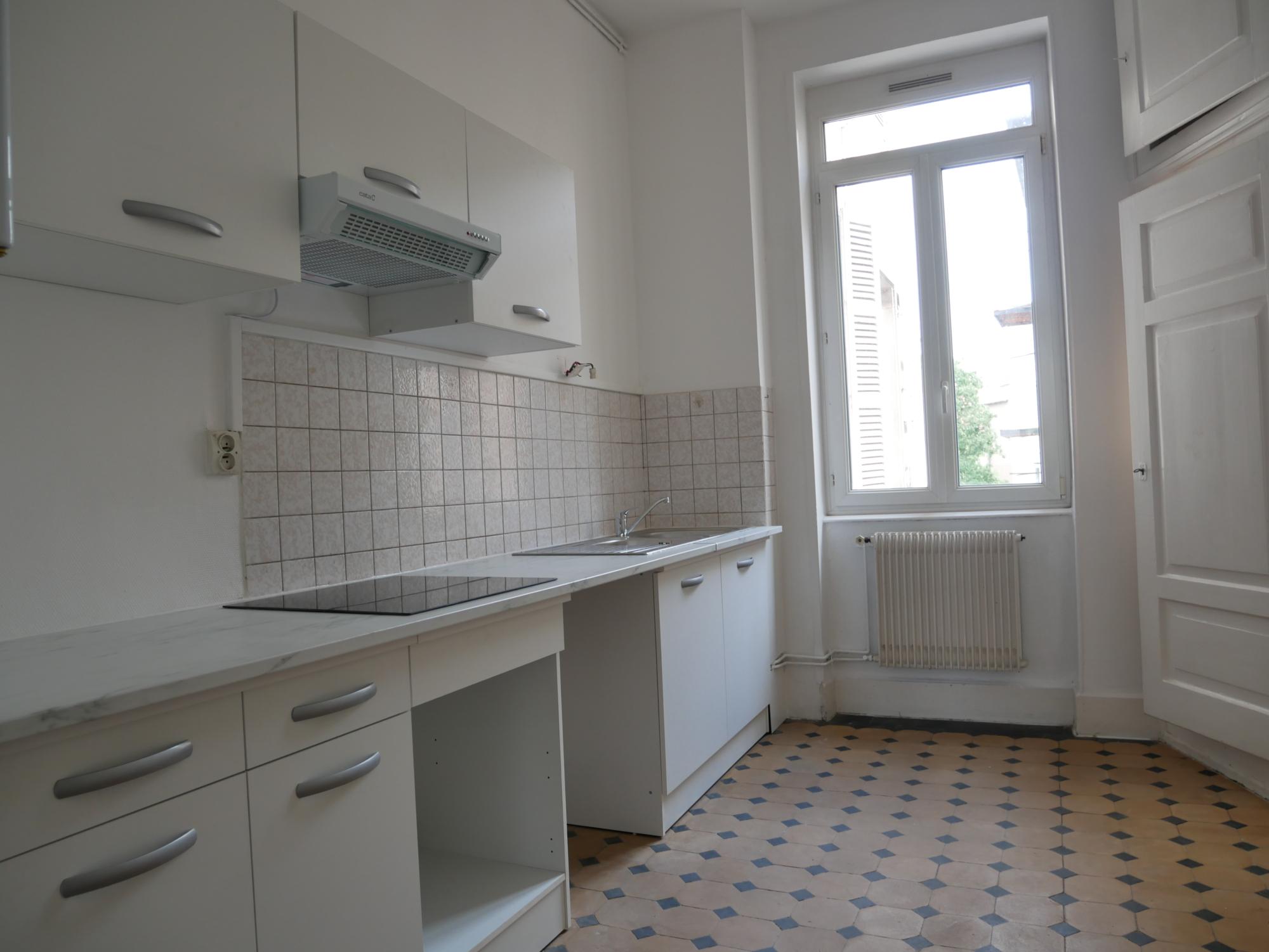[Duchesse] Lumineux 4 pièces – Place de Bordeaux / Bvd. Ohmacht - nos locations - Beausite Immobilier 2