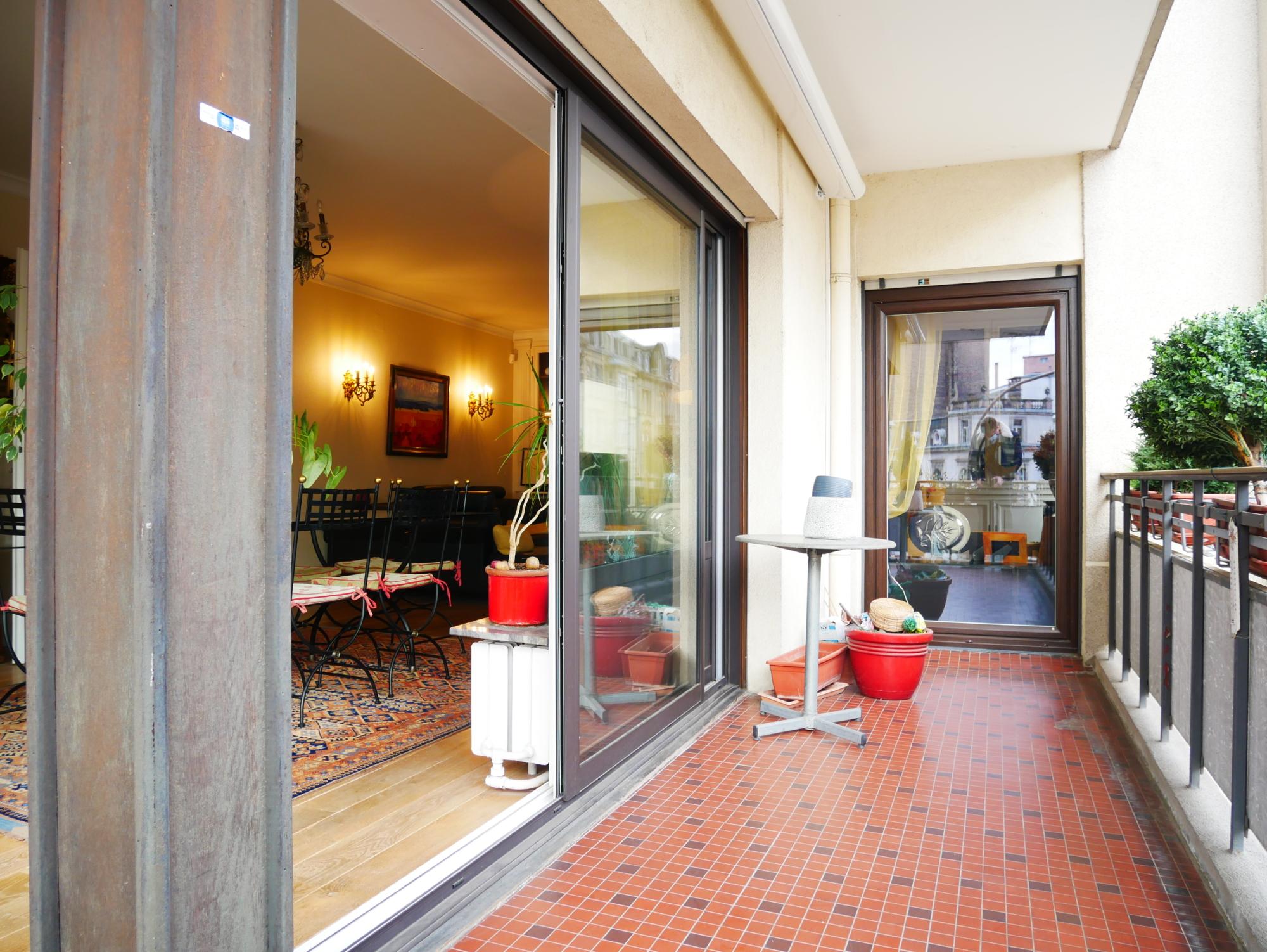 [Golby] Un superbe appartement d'angle à l'Orangerie / Place Golbery - nos ventes - Beausite Immobilier 1