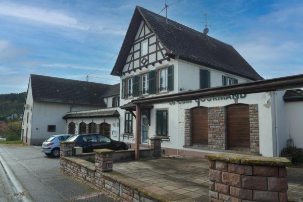 [Le Coin Gourmand] Un Grand Local Commercial & Appartement 10 pièces sur un Terrain de 19,60 ares- Dossenheim sur Zinsel