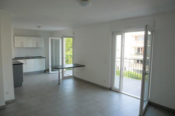 [Rod] Un superbe 3 pièces en état neuf avec terrasse et garage – Ganzau / rue des Chanoine Lux