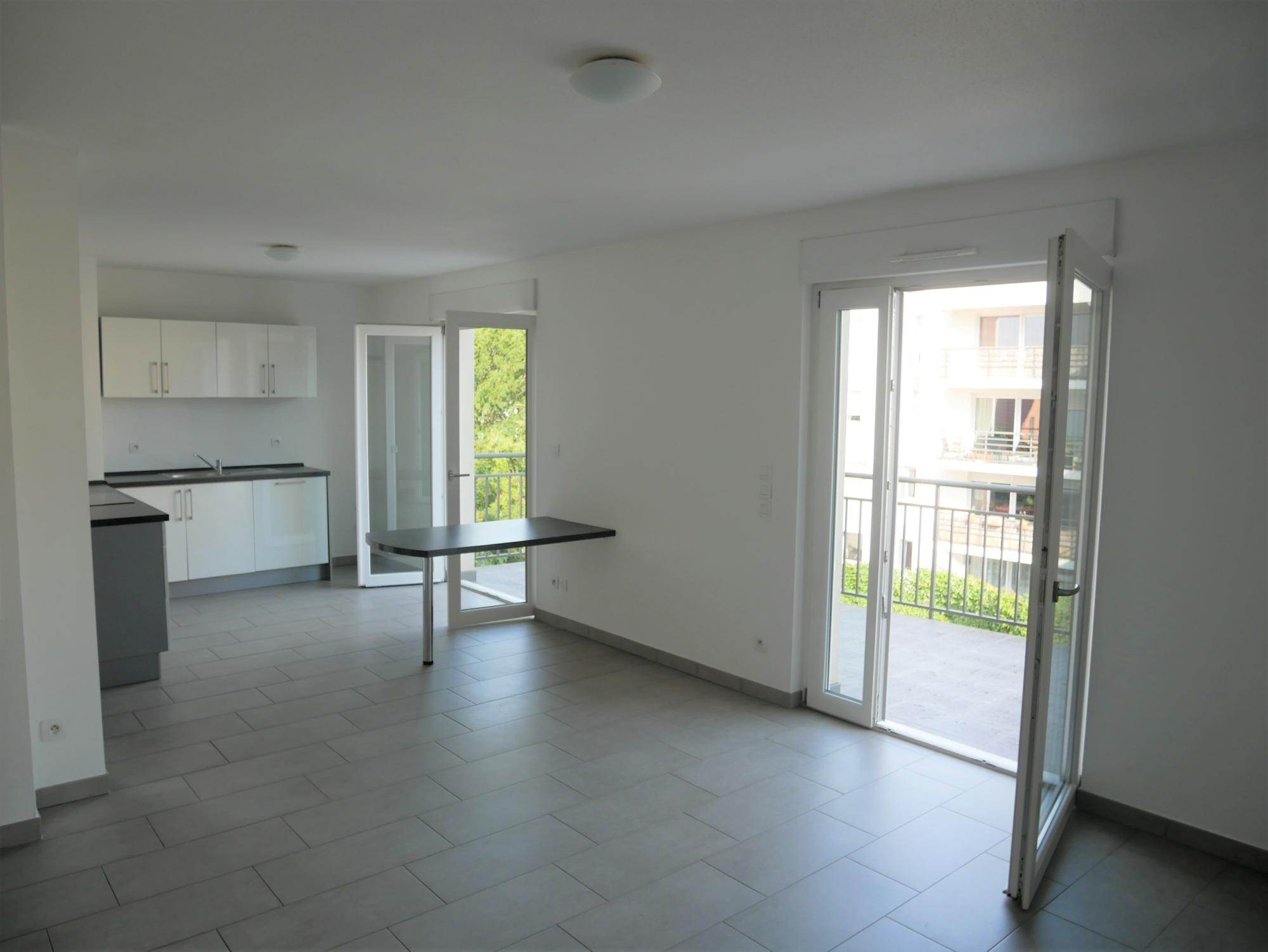 [Rod] Un superbe 3 pièces en état neuf avec terrasse et garage – Ganzau / rue des Chanoine Lux - nos locations - Beausite Immobilier 1