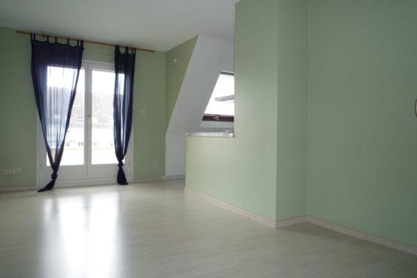 VENDU - Lumineux 2P  - Rue de Wasselonne