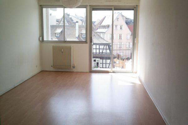 Lumineux studio avec balcon - Krutenau / place de Zurich
