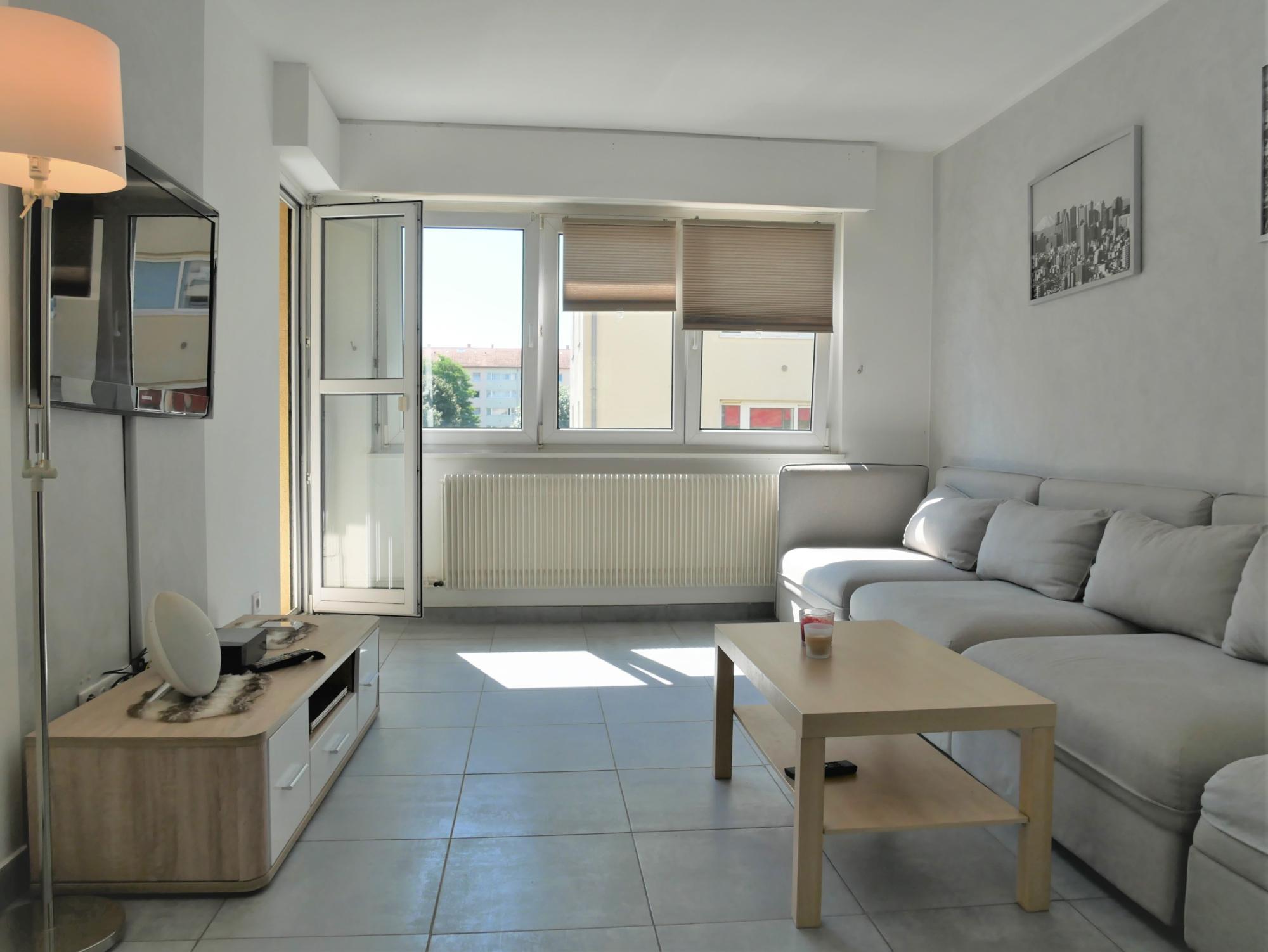 Lumineux 3P rénové avec balcons à la Montagne Verte - nos ventes - Beausite Immobilier 1