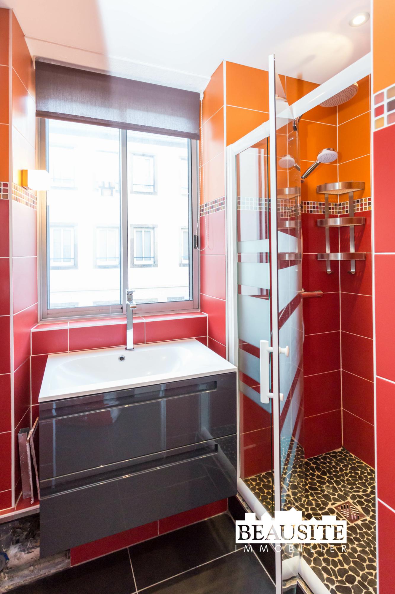 [Mick] Un lumineux appartement aux prestations de qualité - Gare / rue des Païens - nos ventes - Beausite Immobilier 9